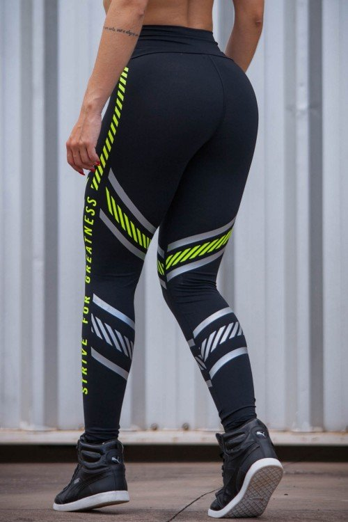Calça Legging Poliamida Preta Strive For Greatness