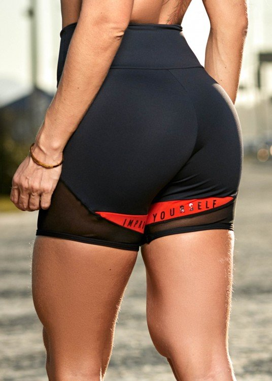 Short Fitness Improve Yourself Preto com Recorte laranja e Silk